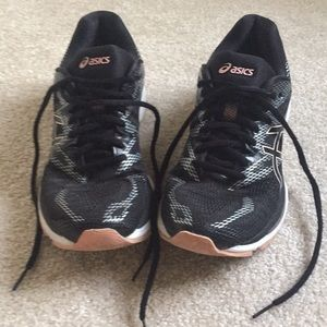 Asics gel nimbus running shoes.  Size 9 1/2.